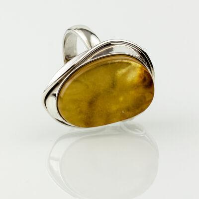 Ezüst gyűrű natúr borostyánnal