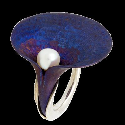 Kék titánium kála gyűrű gyönggyel