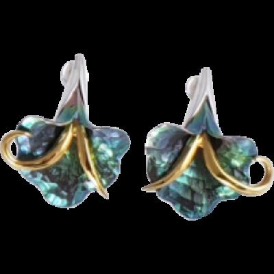 Zöld titánium fülbevaló – GHEM