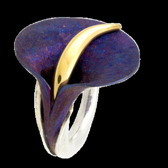 Kék titánium gyűrű aranyozott kálával