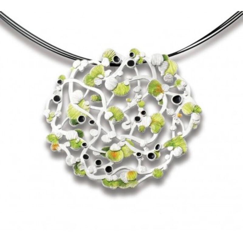 Calicaos csipke zöld tűzzománccal díszített ezüst medál